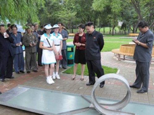 Kim Jong-un shows surprising interest in Minigolf
